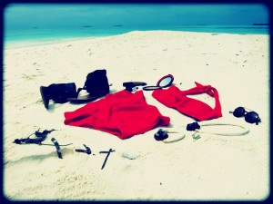Maldives - what to wear - 50's beach essentials