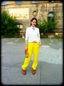 Berlin fashion week street style city neon yellow palazzo