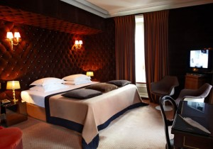 Paris France sleeping hotel montmarte luxury