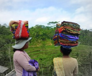 Bali women cloth carrying