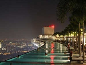 singapore rooftop luxury pool view