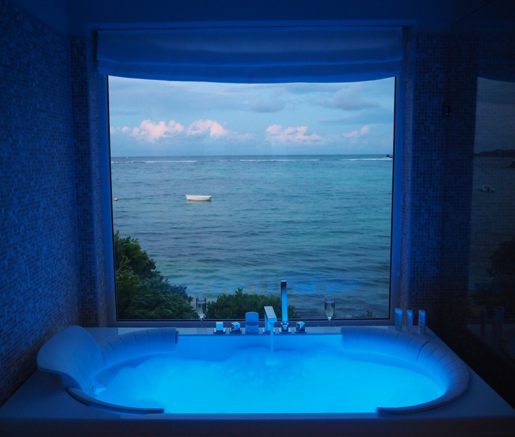 The Admiral Suite Le Guanahani hot tub