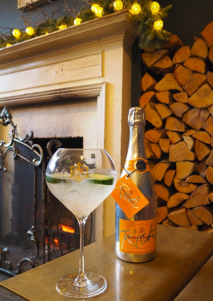 Bonnie Rakhit Style Traveller Veuve clicquot christmas cocktails