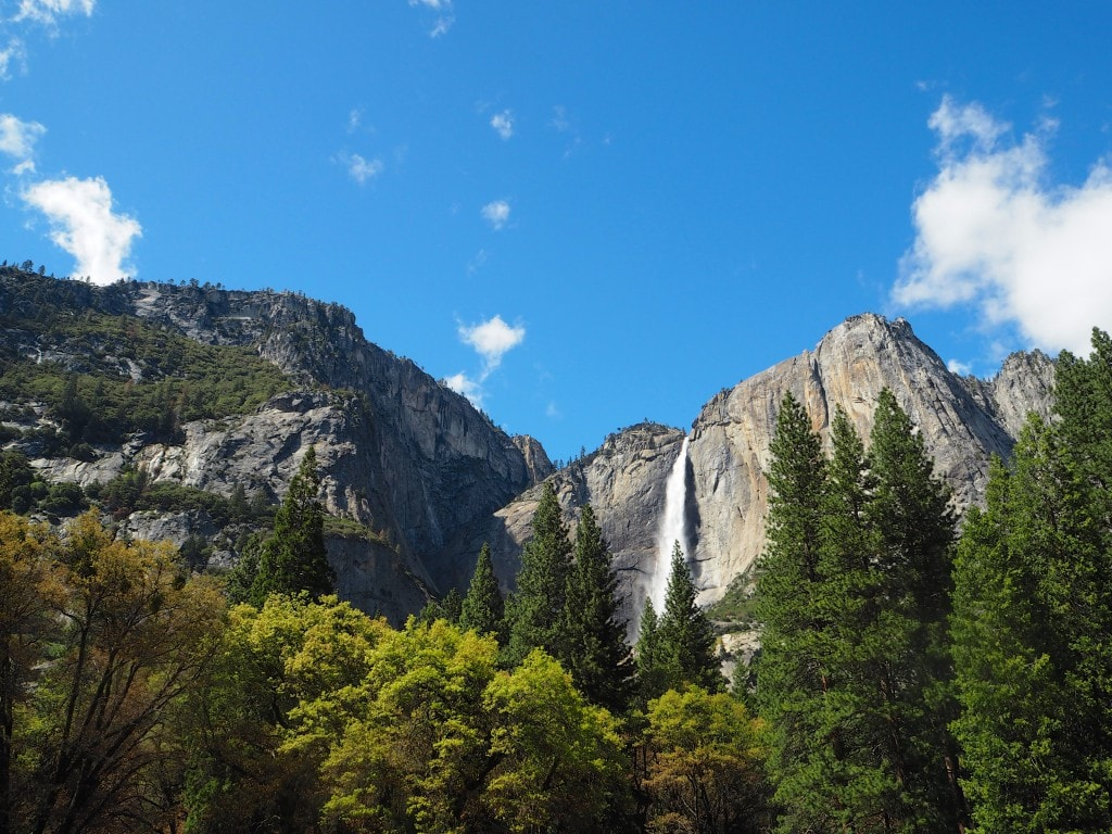 Yosemite-National-Park-California-Roa-Trip-hiking