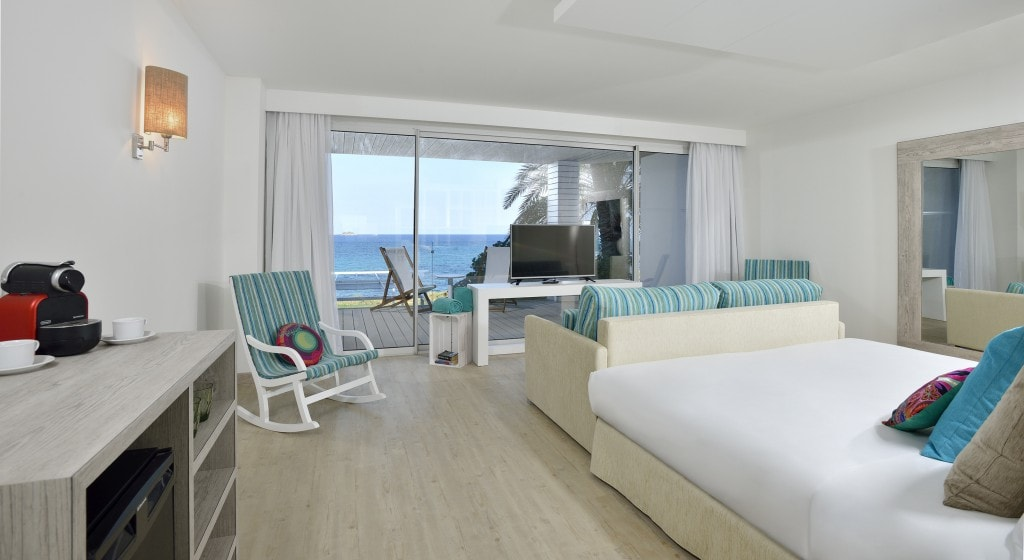 SolBeachHouse Ibiza suite bedroom