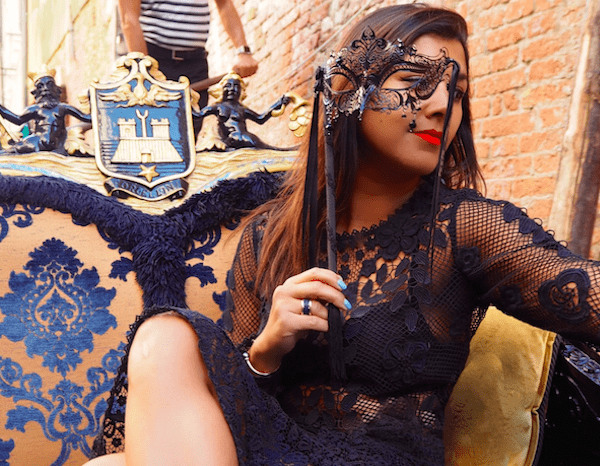 What to wear in Venice - Lace special valentino 3