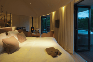 chewton-glen-tree-house-bedroom