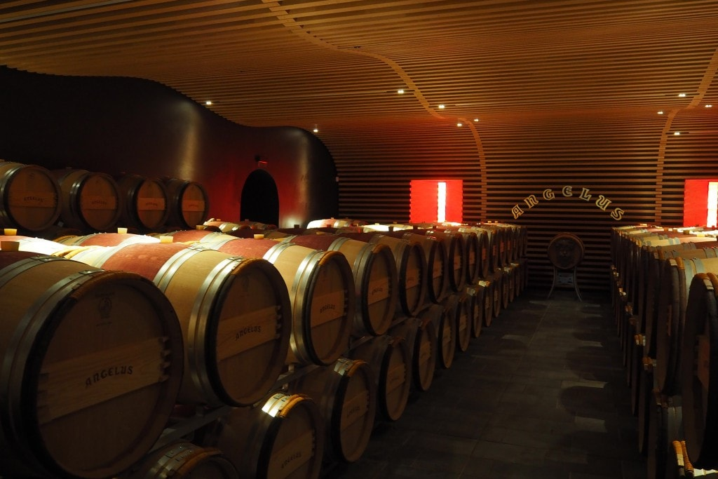 chateaux angelus bordeaux wine tour