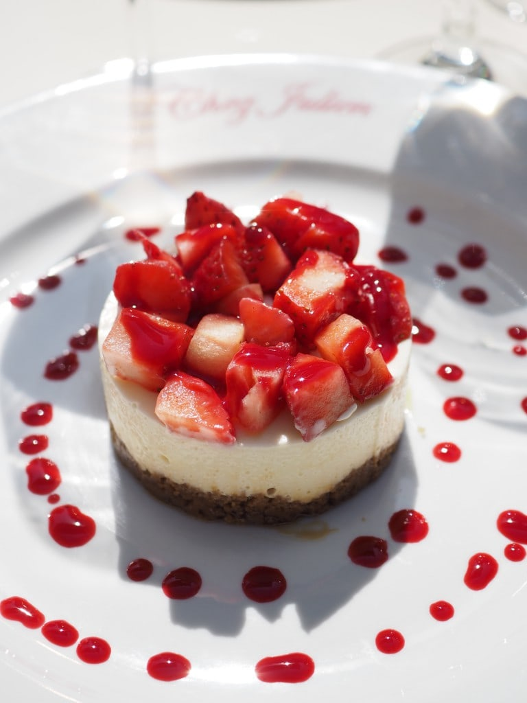 strawberry cheesecake dessert in Paris