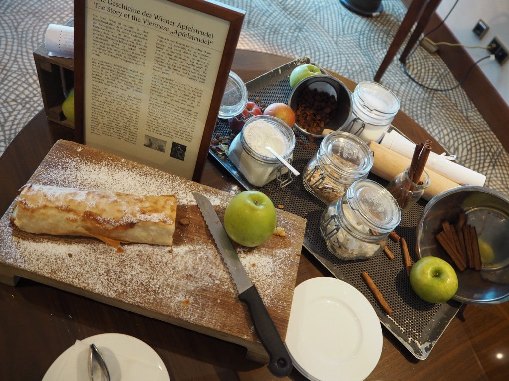 Ritz-carlton-vienna-apple-strudel