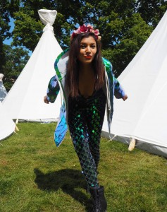 bonnie rakhit what to wear to a festival plt