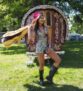what to wear to a festival bonnie rakhit streetstyle wilderness