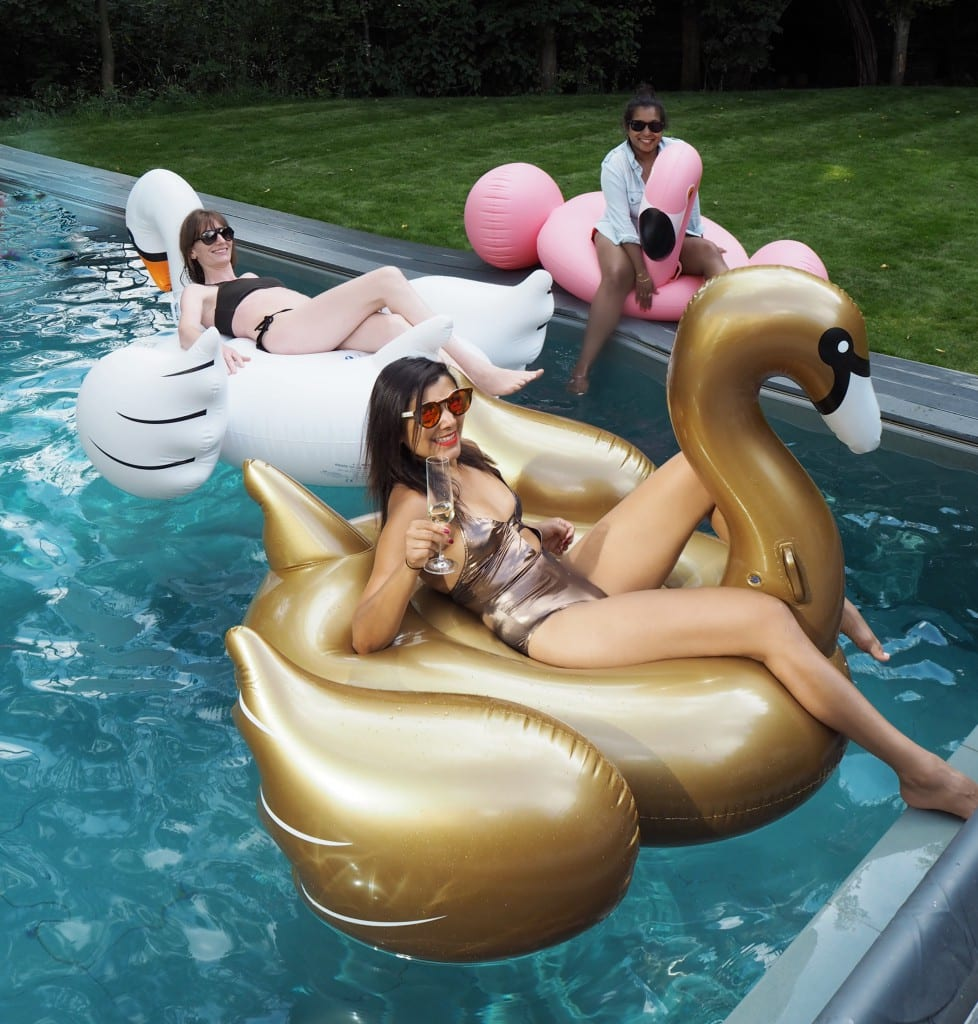 The-style-traveller-Bonnie-Rakhit-sunnylife-inflatables-pool
