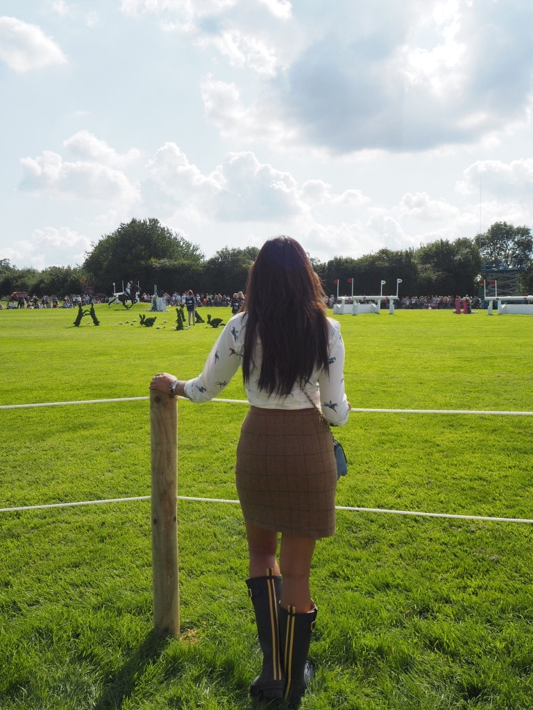 burghley-watching-horses