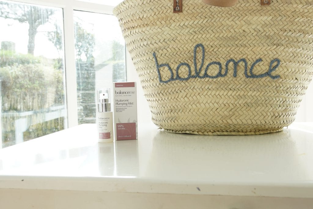 hyaluronic plumping mist balance me beauty