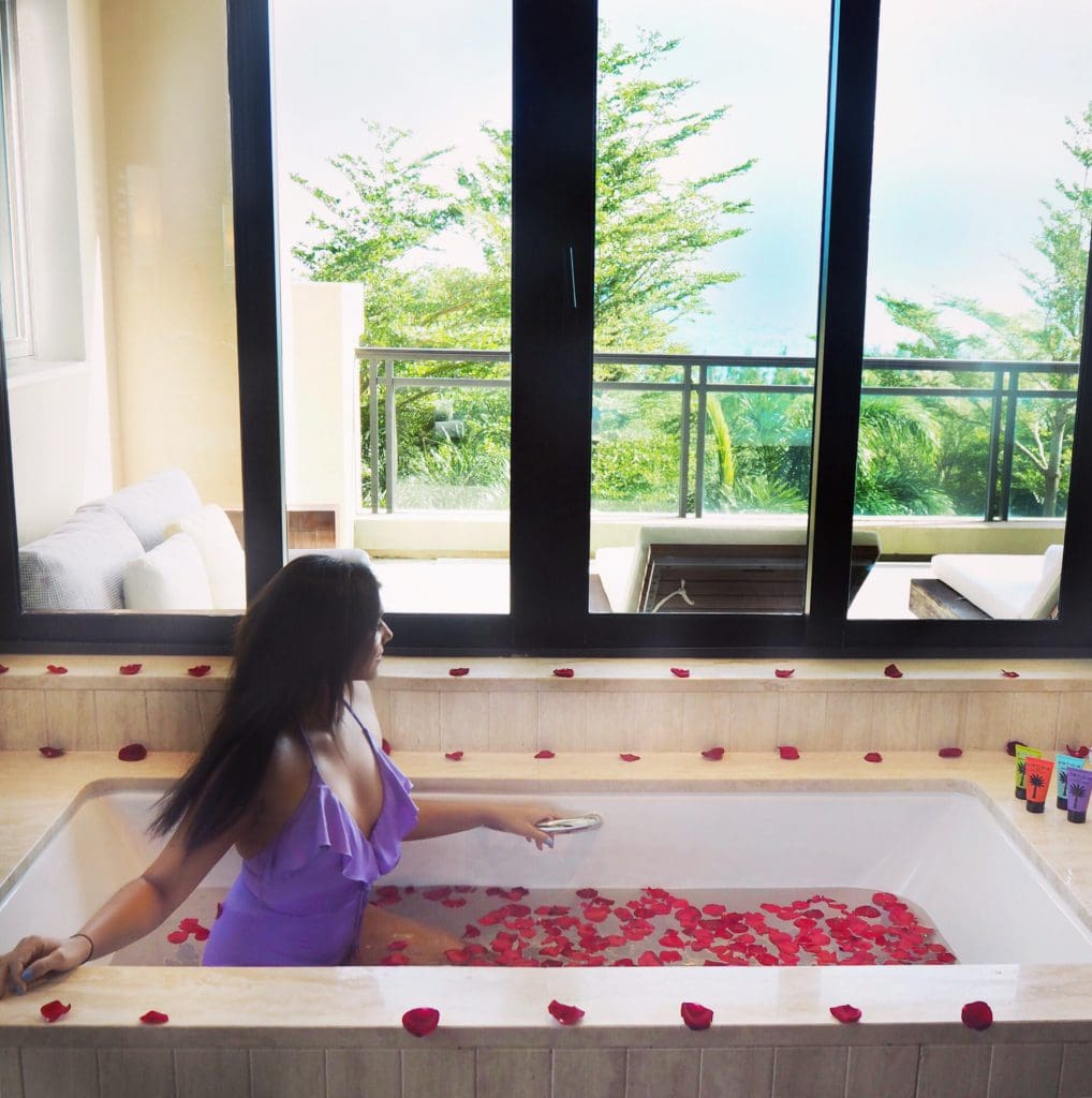Bonnie Rakhit style traveller Raffles Hainan luxury hotel china rose bath