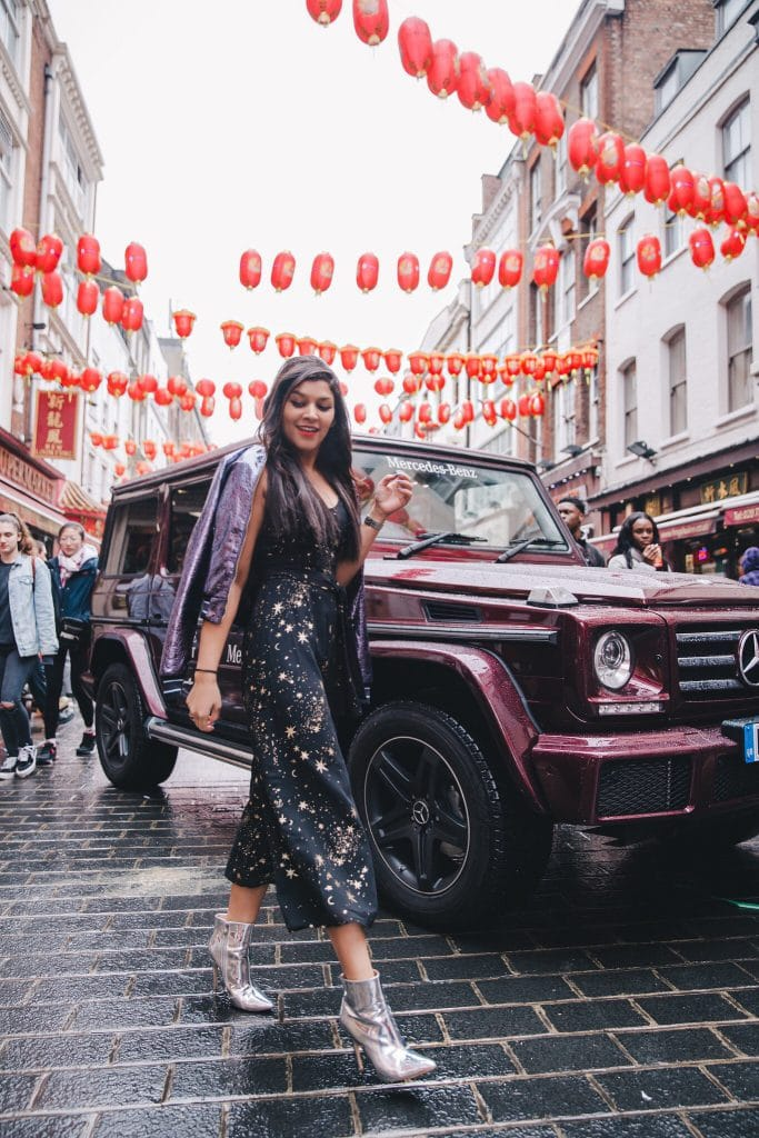 London-fashion-week-Bonnie-Rakhit-style-traveller-mercedes-china-town