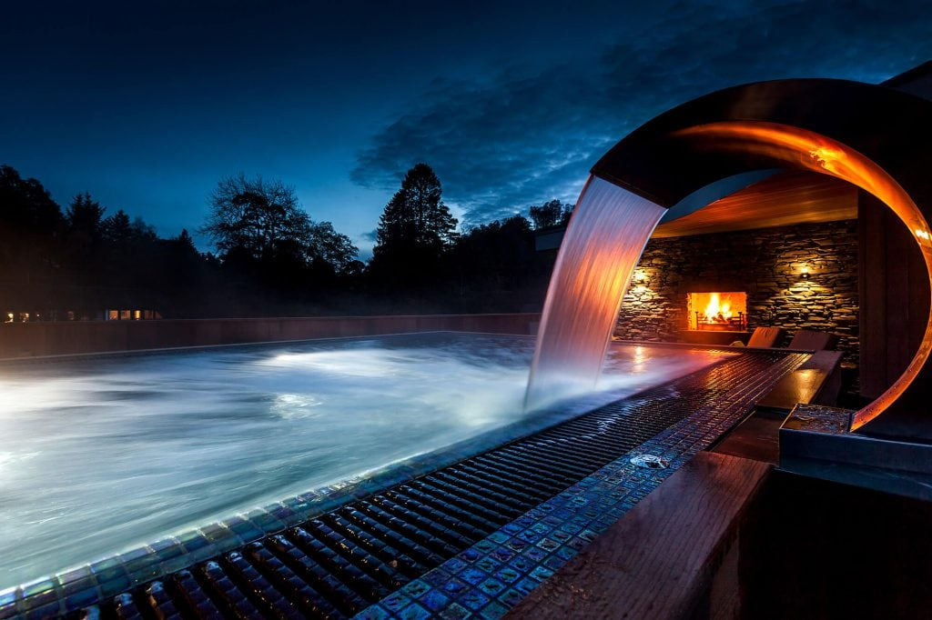 brimstone-spa-waterfall-fire-night
