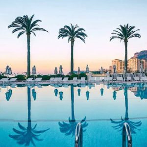 The-style-traveller-monte-carlo-bay-hotels-in-monaco-insta-places-swimming-pool
