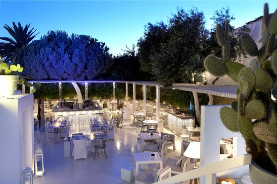 interni mykonos restaurant chic trendy places to eat