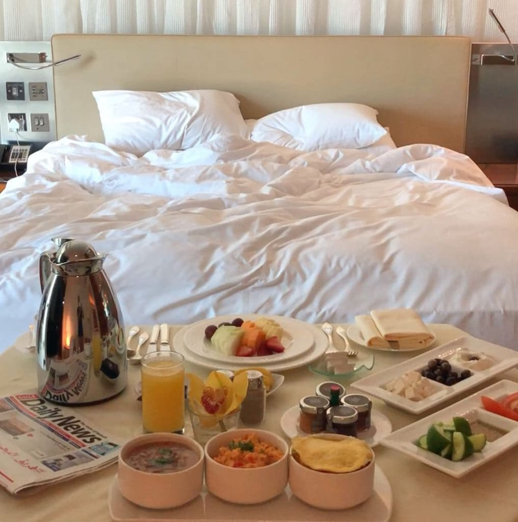 Bonnie Rakhit ritz carlton bahrain bedrooms breakfast in bed luxury hotelsBonnie Rakhit ritz carlton bahrain bedrooms breakfast in bed luxury hotels