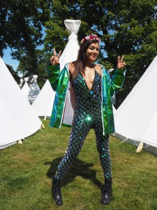 what to wear to a festival bonnie rakhit streetstyle
