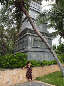 Bonnie Rakhit style traveller Raffles Hainan luxury hotel fashion