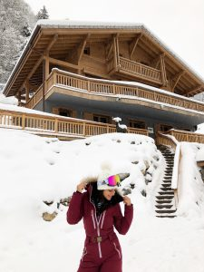 Bonnie Rakhit the style traveller ski hot tub in Morzine The white valley company what to wear on a ski trip huski wear