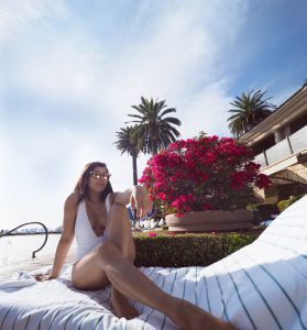 Pelican hill where to stay in Newport Beach luxury hotels swimming restaurant bonnie rakhit swimming