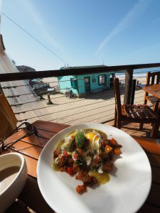 what to do in Newport 48hrs in the OC, beach comber cafe