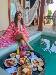 Amilla_Fushi_Bonnie_Rakhit_Maldives_luxury_reort_floating_breakfast_in_sky_villa_private_pool_best_resorts