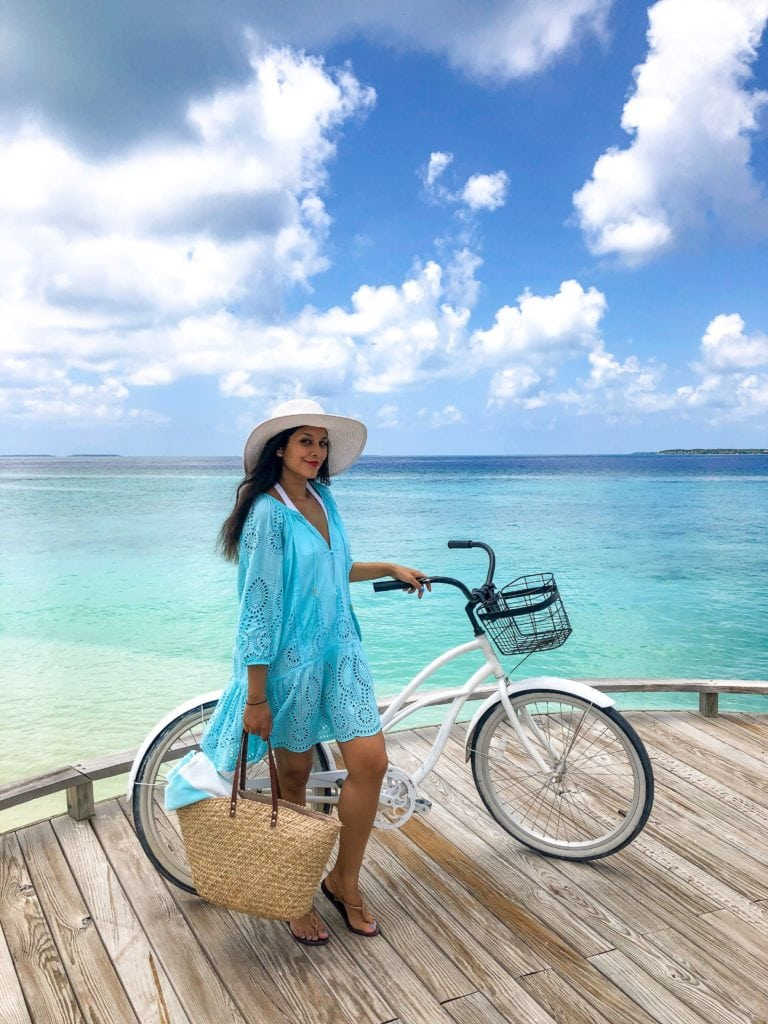 Amilla_fushi_maldives_rakhit_style_traveller_cyling_between_water_villas__bikes