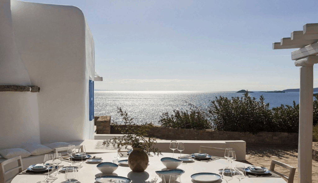 villa sui generis best villas in Mykonos al fresco dining