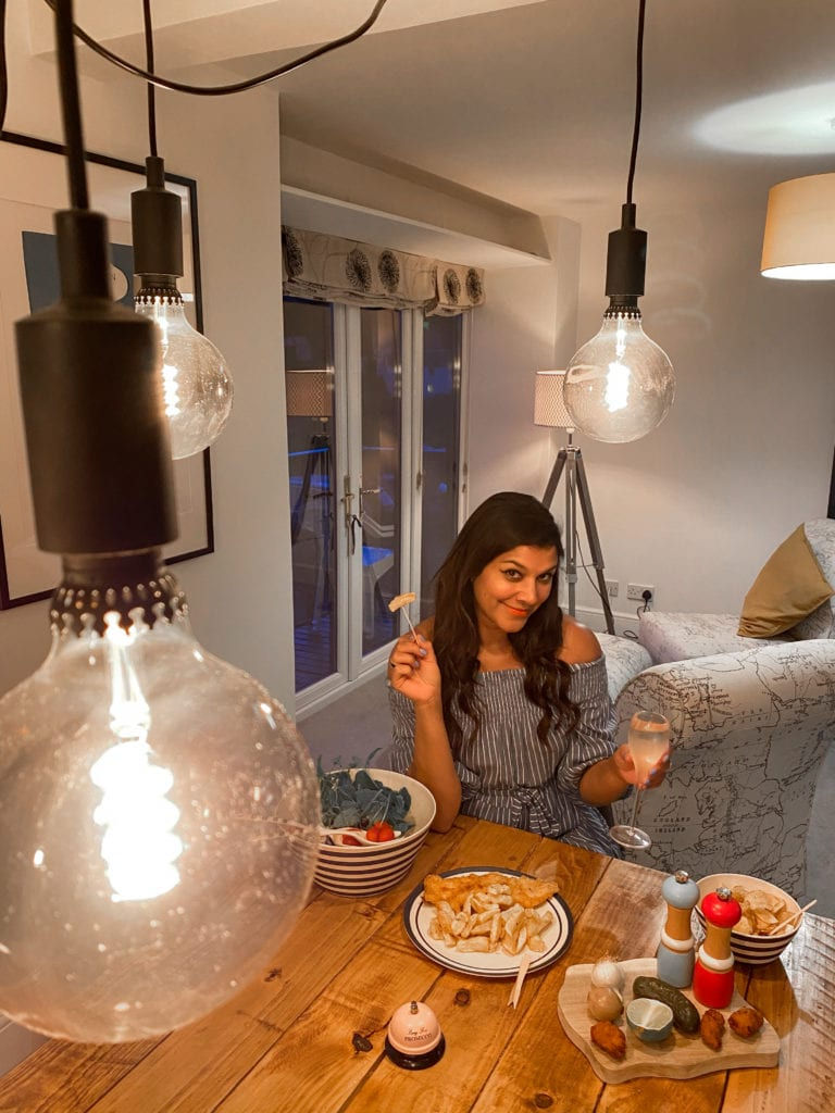 where-to-stay-in-devon-holiday-rentals-Bonnie-Rakhit-fish-and-chips