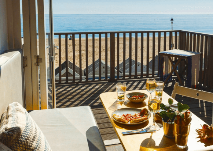 Bournemouth beach lodges outdoot breakfast with seaview