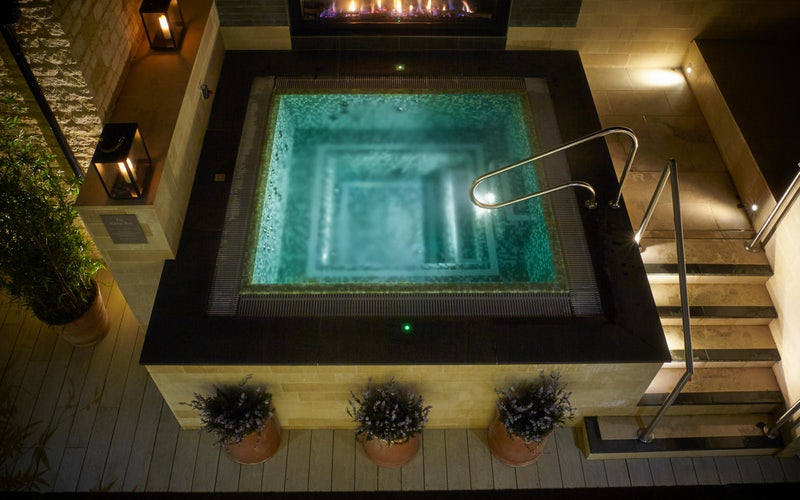 Dormy house outdoor hydrotherapy pool and spa